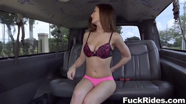molly jane very exciting to enjoy straight sex