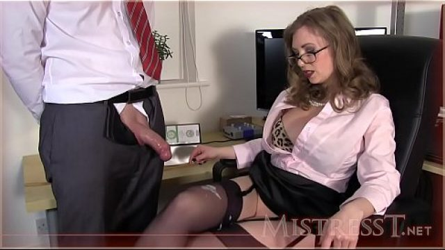 Office Fuck testing new office paramour